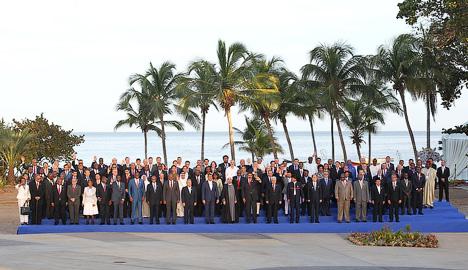 Третья сила. Саммит Движения неприсоединения в Венесуэле.