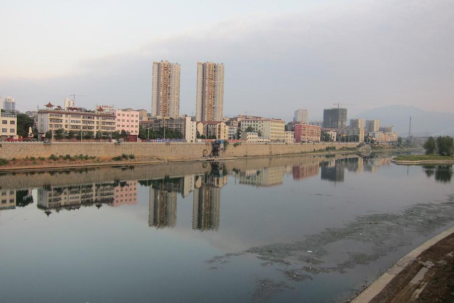 Huaihua China  city photos : 在拍摄的车辆无法得到的,他们都不得不放慢了很多 ...