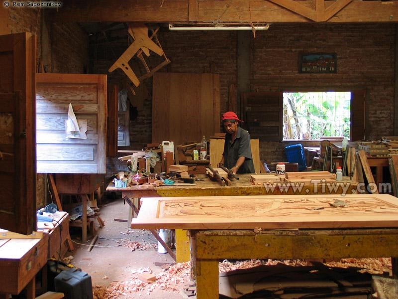 Taller maderas artesanias for Taller de artesanias