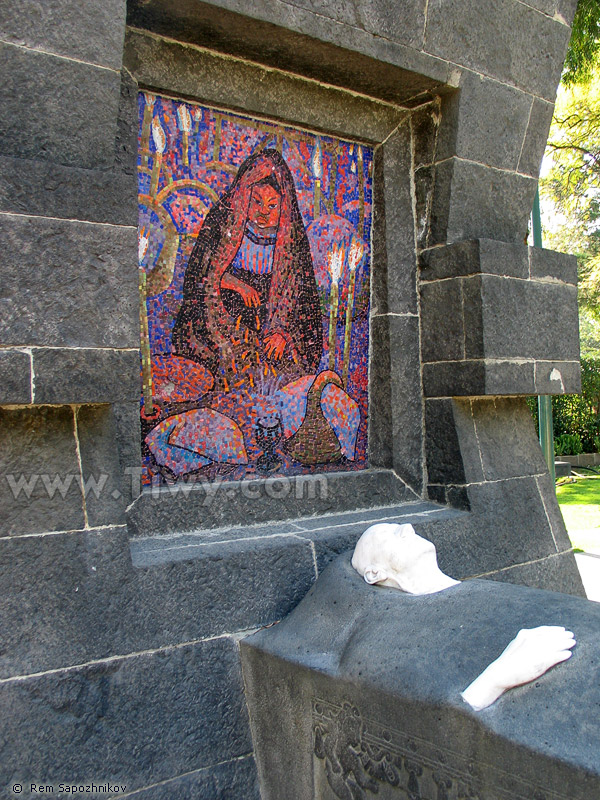 Tv And Internet >> Tiwy.com - The grave of Diego Rivera